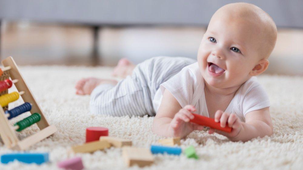 jeux bébé naissance